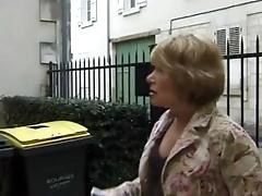 Пожилая партнерша занимается сексом с любовником
