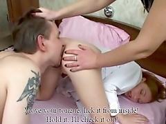 Русский широполый занимается сексом от двумя девушками